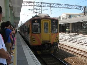 列車来た!かわいい!